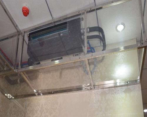中央空调施工图  中央空调施工图 中央空调运作原理 中央空调系统由冷热源系统和空气调节系统组成。采用液体汽化制冷的原理为空气调节系统提供所需冷量,用以抵消室内环境的冷负荷;制热系统为空气调节系统提供用以抵消室内环境热负荷的热量。制冷系统是中央空调系统至关重要的部分,其采用种类、运行方式、结构形式等直接影响了中央空调系统在运行中的经济性、高效性、合理性。  中央空调施工图 三菱重工海尔中央空调尖端的高效节能核心技术 高端节能技术的综合应用,实现绿色智能中央空调系统的超高能效,业界超高IPLV(c)6.